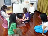 生徒同士教え合いながら練習